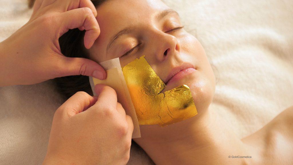 Behandlung mit kosmetischem Blattgold